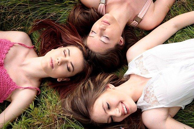women-1487825_640